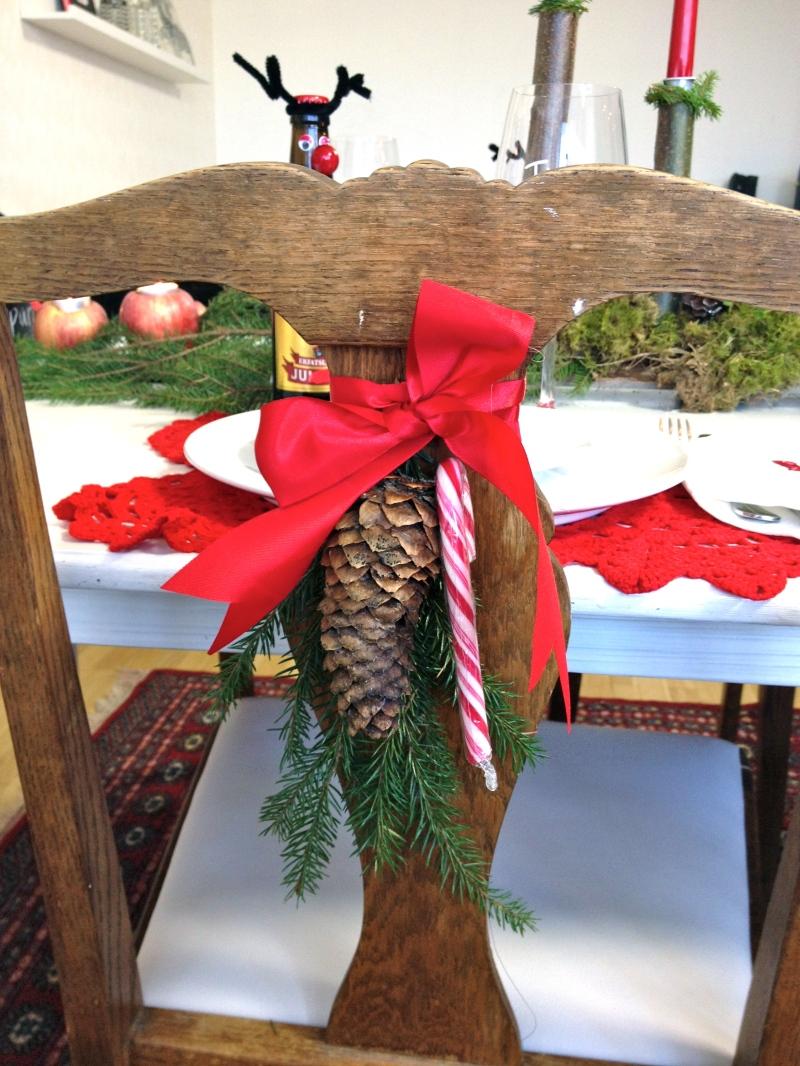 Julpynt på stolen